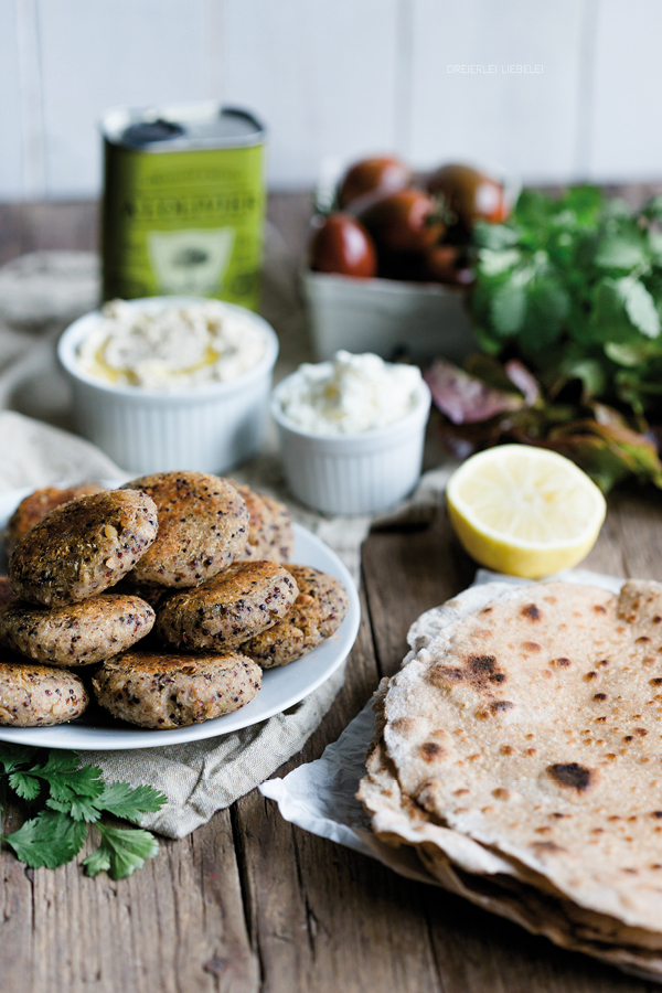 Superfood Tortillas mit Quinoa Falafel und Cashew-Dip